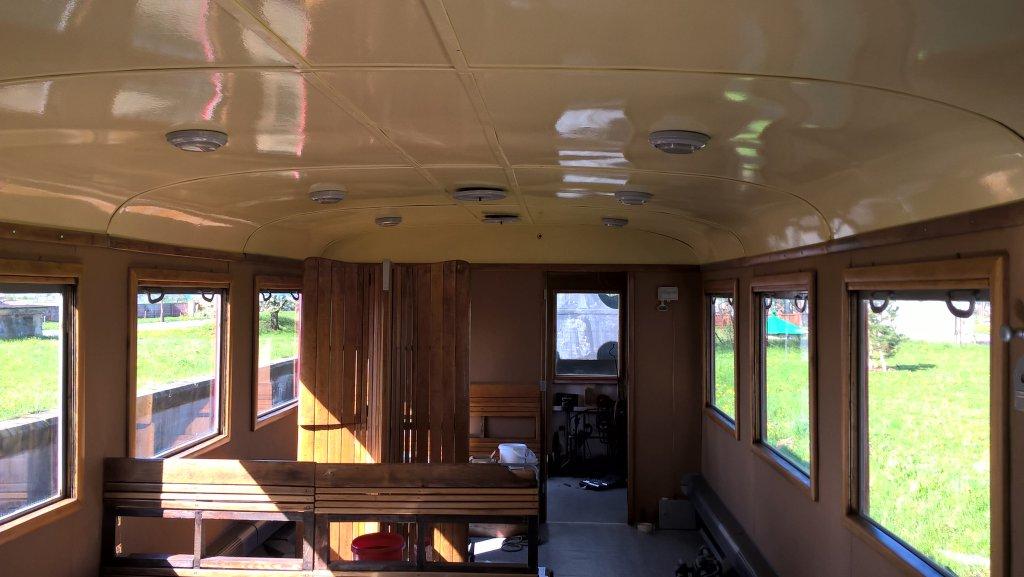 Osvetlenie a vetráky na strope